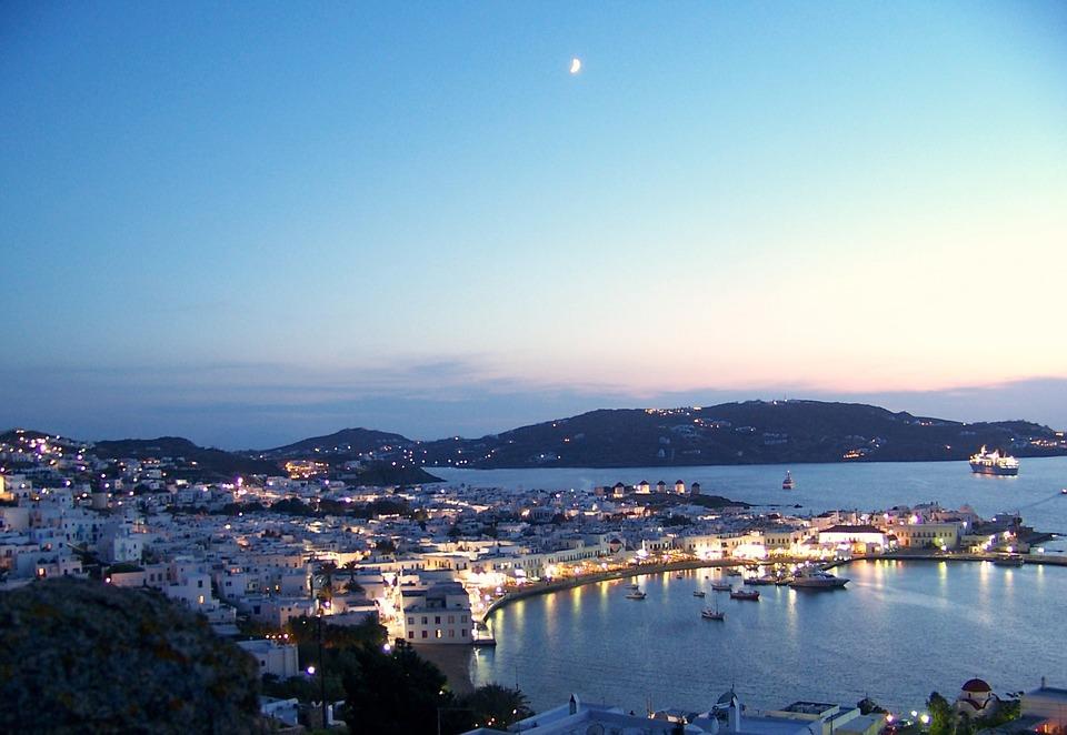 """השקעת הנדל""""ן הבאה: דירות נופש ביוון"""