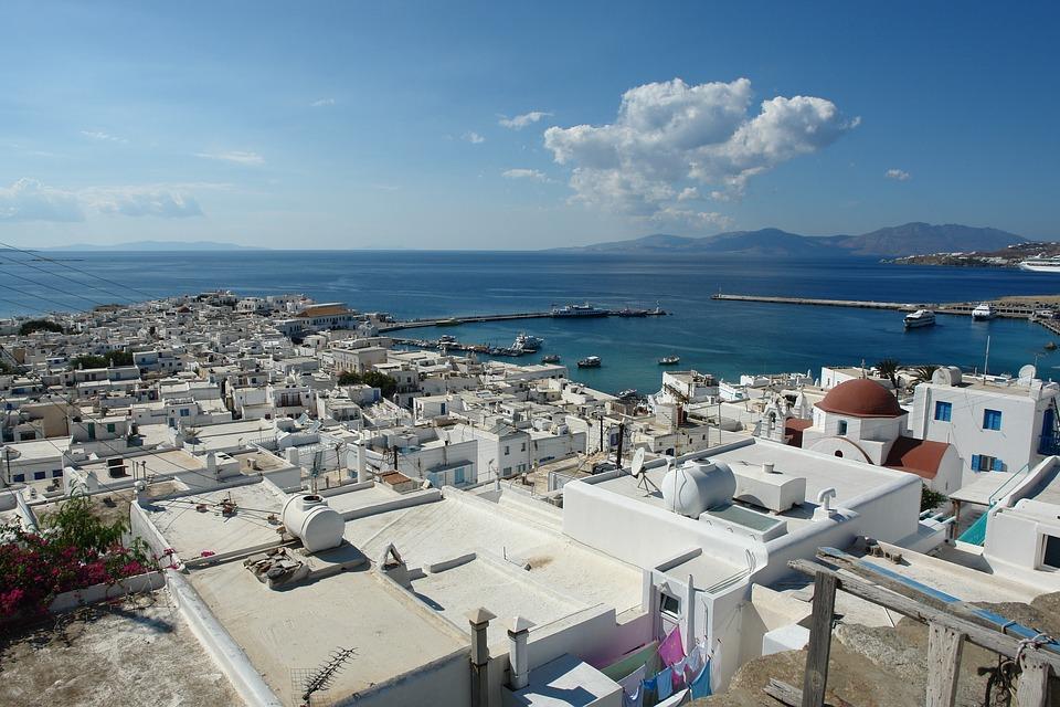 """מיסוי בנדל""""ן ביוון - דברים שחשוב לדעת"""